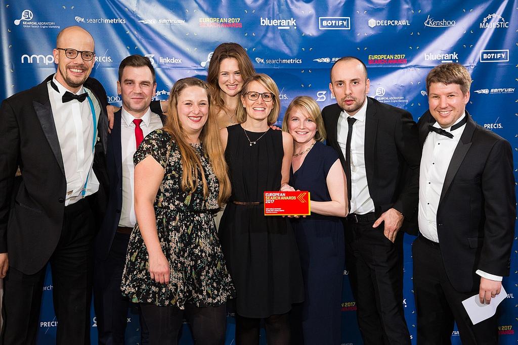 BlueGlass Interactive Team auf der Bühne der European Search Award