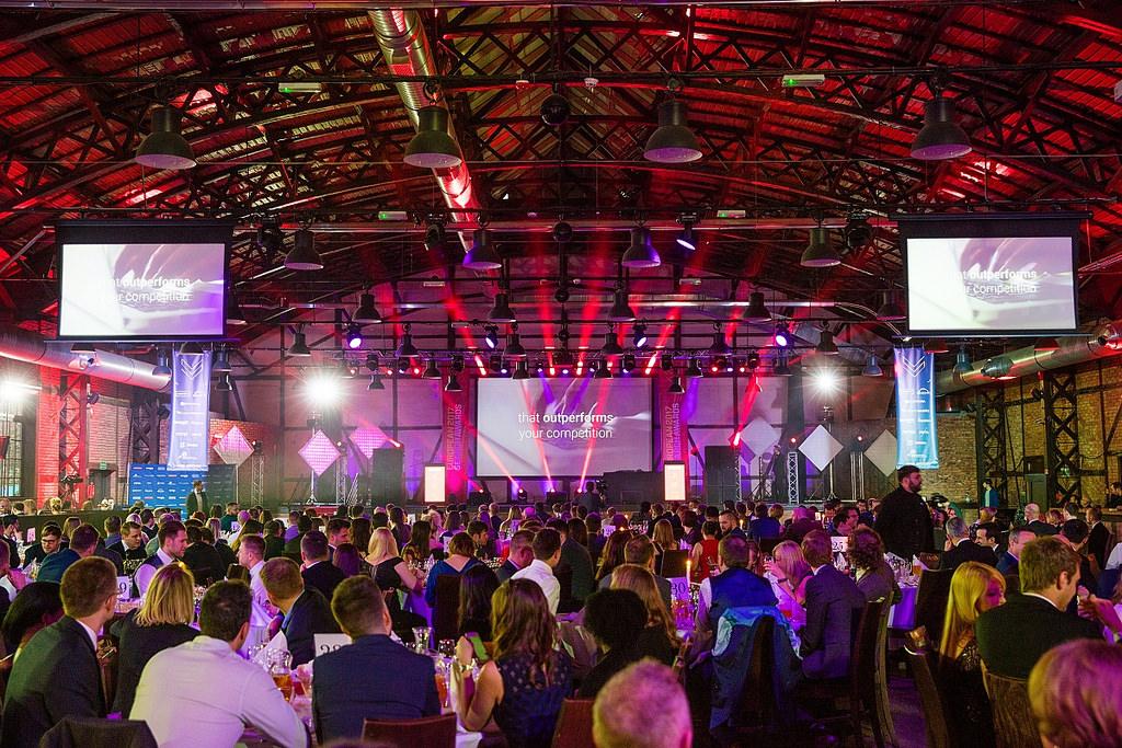 Publikum und Bühne der European Search Awards