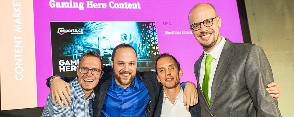 Gewinner-Team für eSports. Von links: Michel Romang, Morris Feierabend (beide BlueGlass), Oliver Lutz (upc) und Raphael Bienz (CEO BlueGlass)
