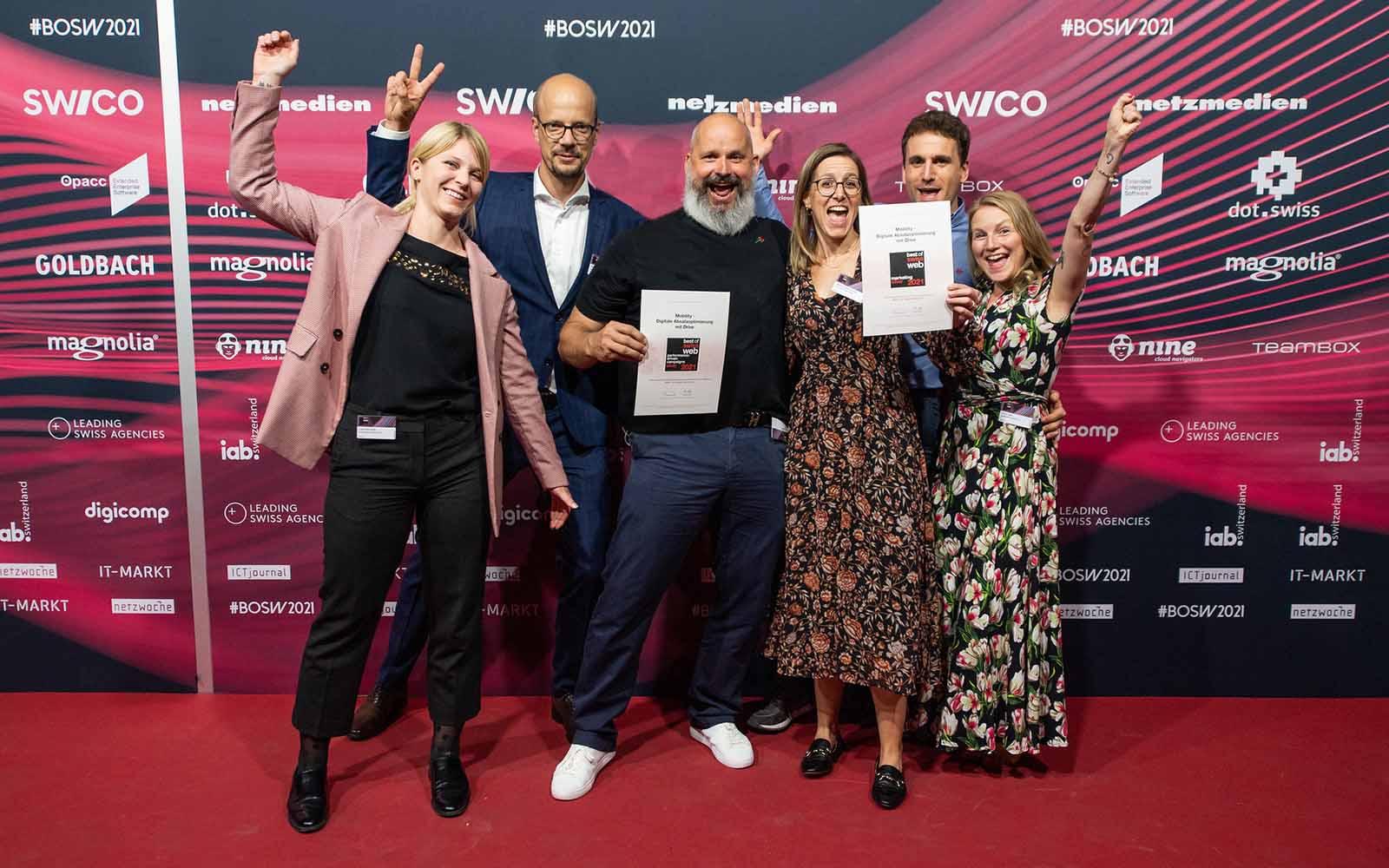 Guido Zehner von Mobility mit dem BlueGlass Team Laura Billinger, Raphael Bienz, Anna-Lena Wohlschlag, Michael Wettstein, Nicole Treipl